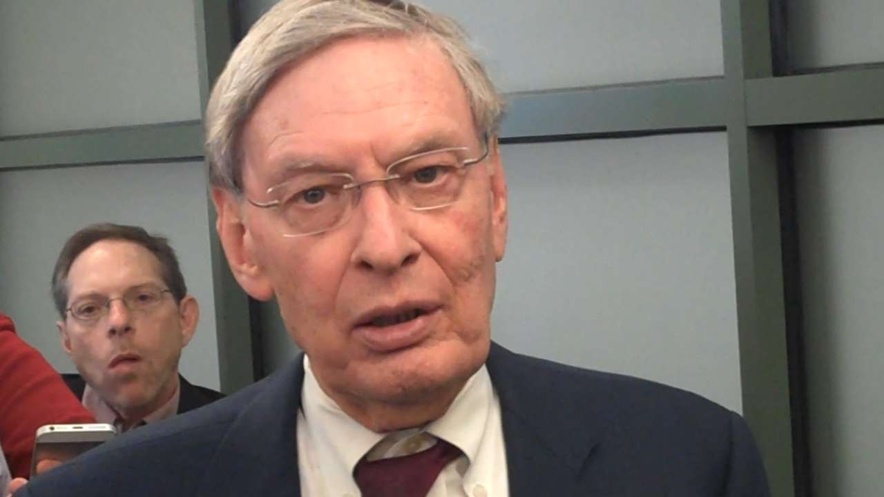 Selig on throwing first pitch