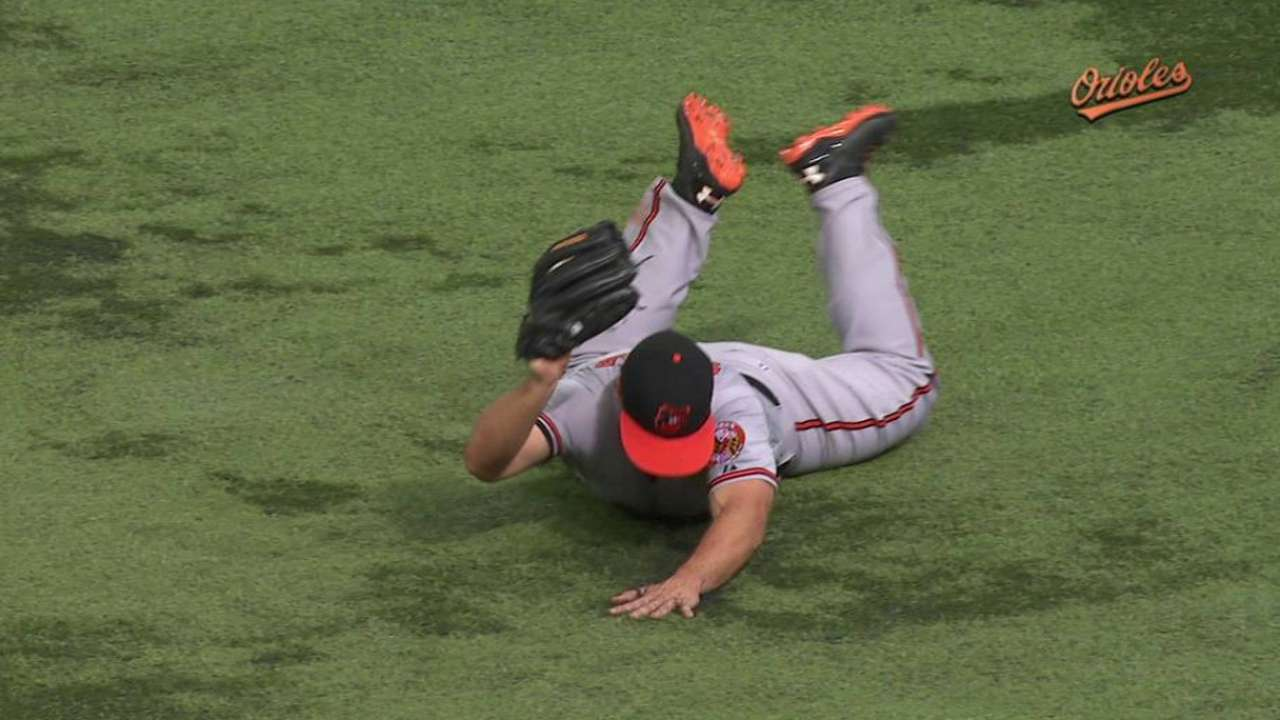 Snider makes stylish Orioles debut