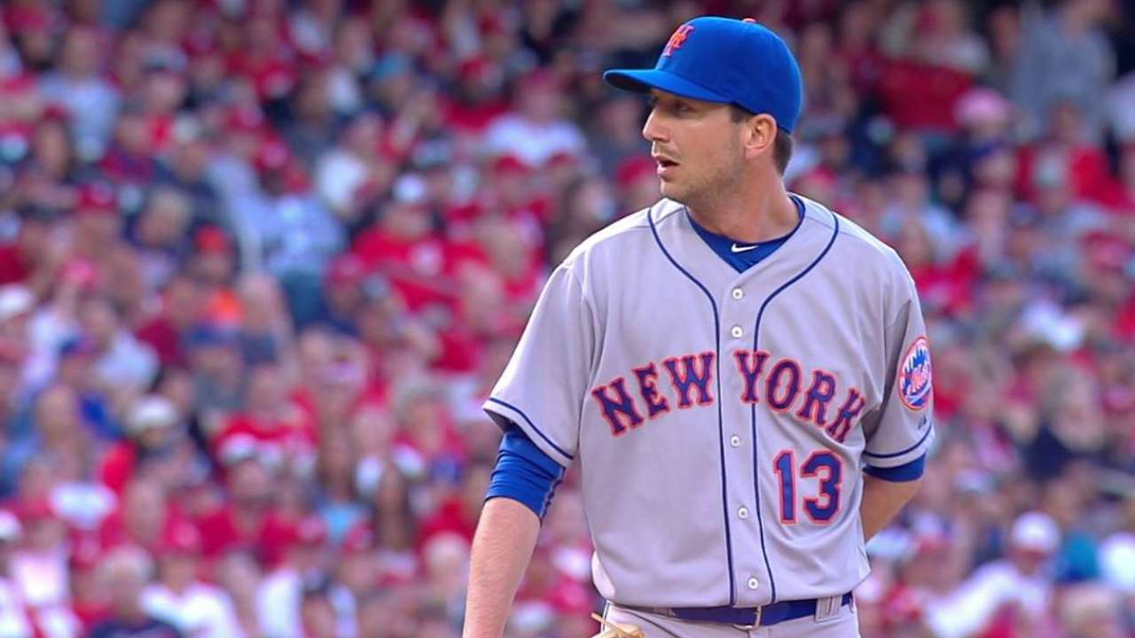 Mets sign lefty specialist Blevins to 1-year deal