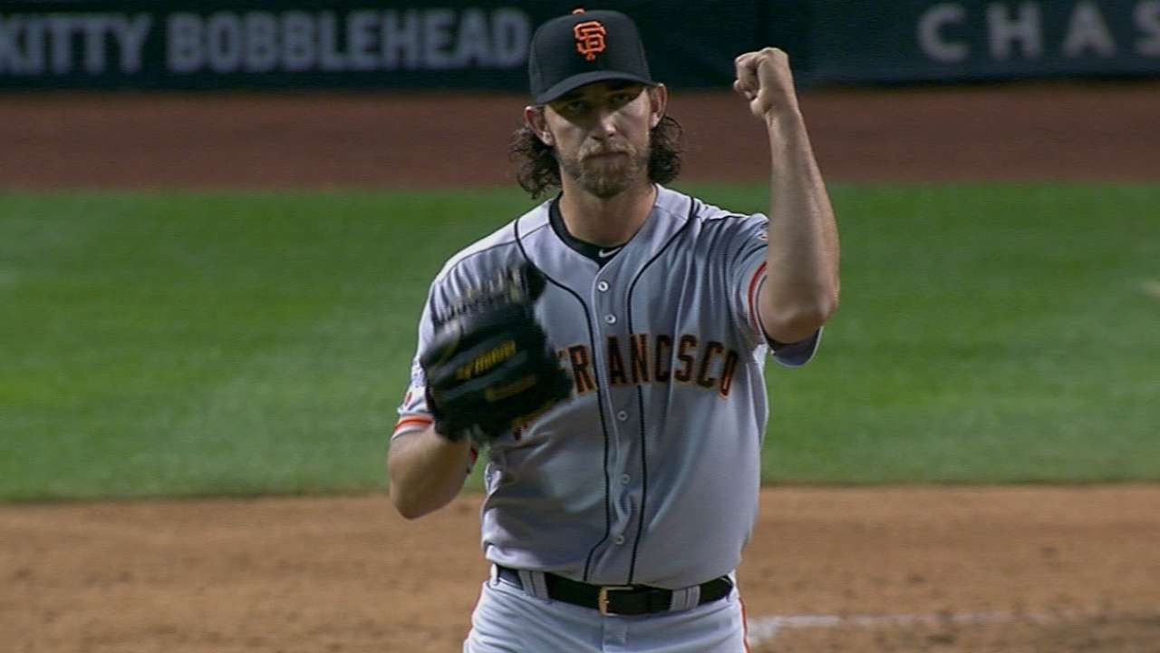 Bumgarner, Giants' pitching rock, continues roll