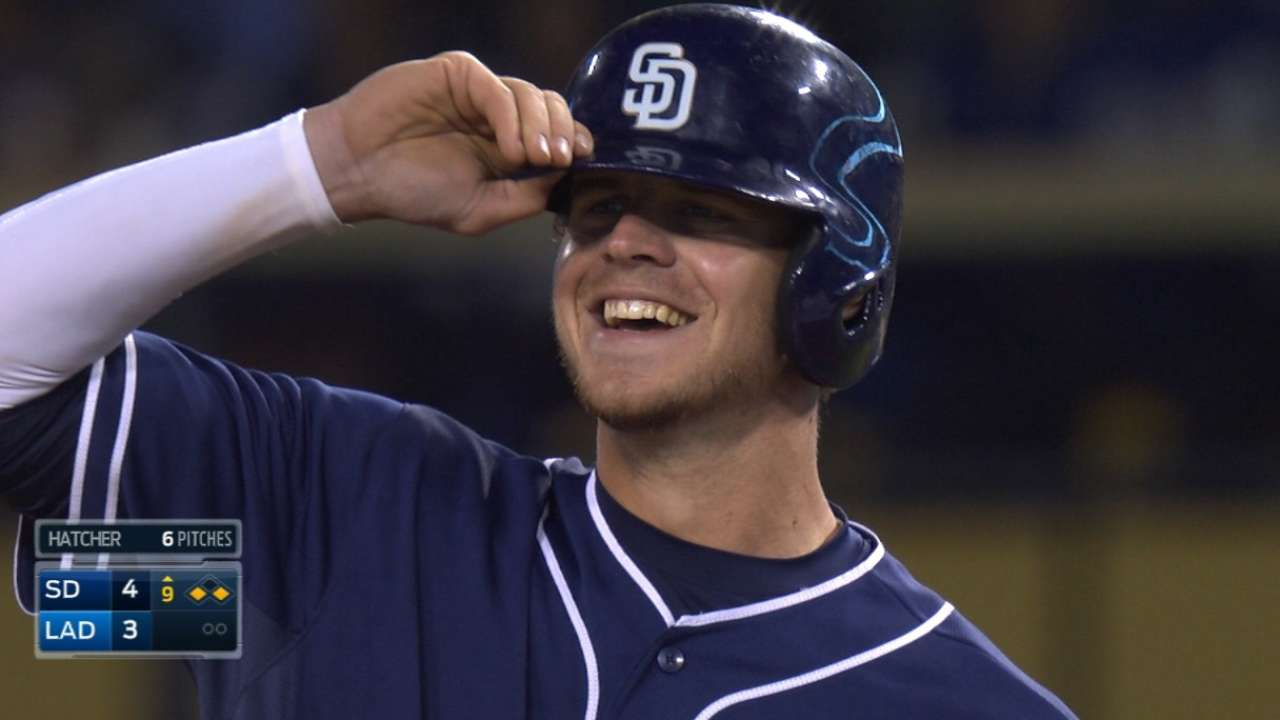 Padres pounce on Dodgers' miscues to even series