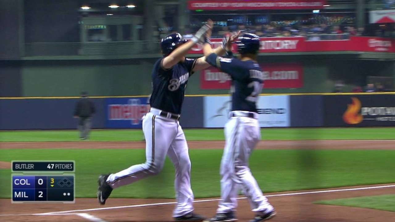 Lind's first Brewers homer