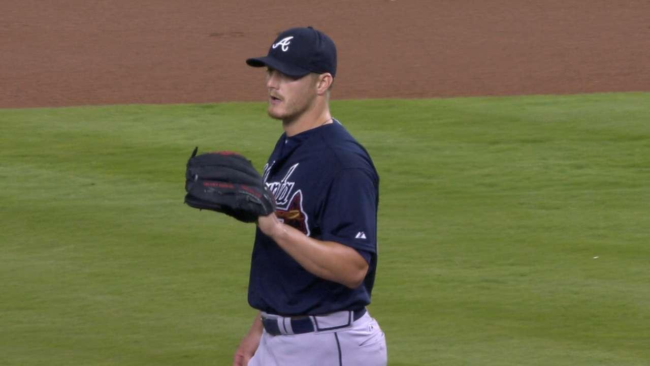 Miller's scoreless Braves debut