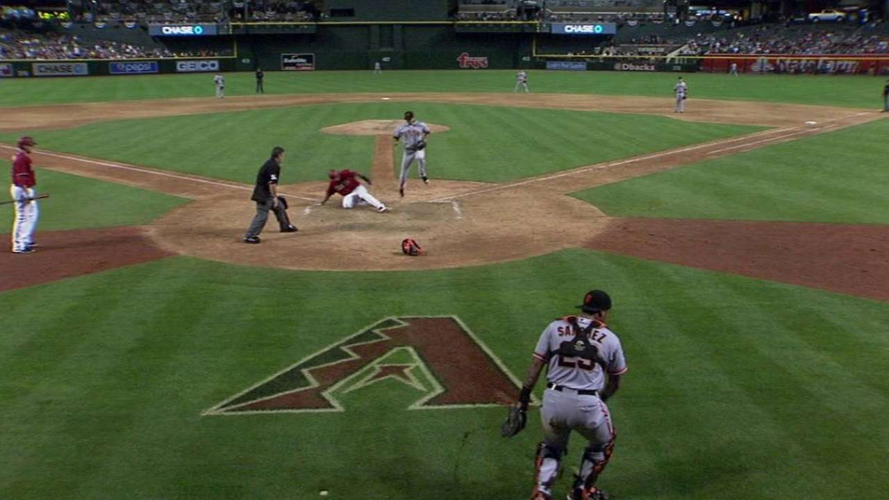 Goldy scores on passed ball