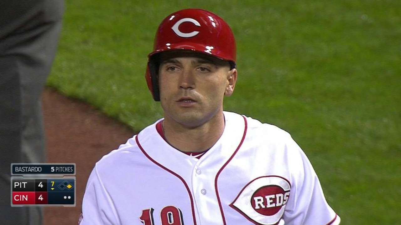 Votto's two-out RBI single
