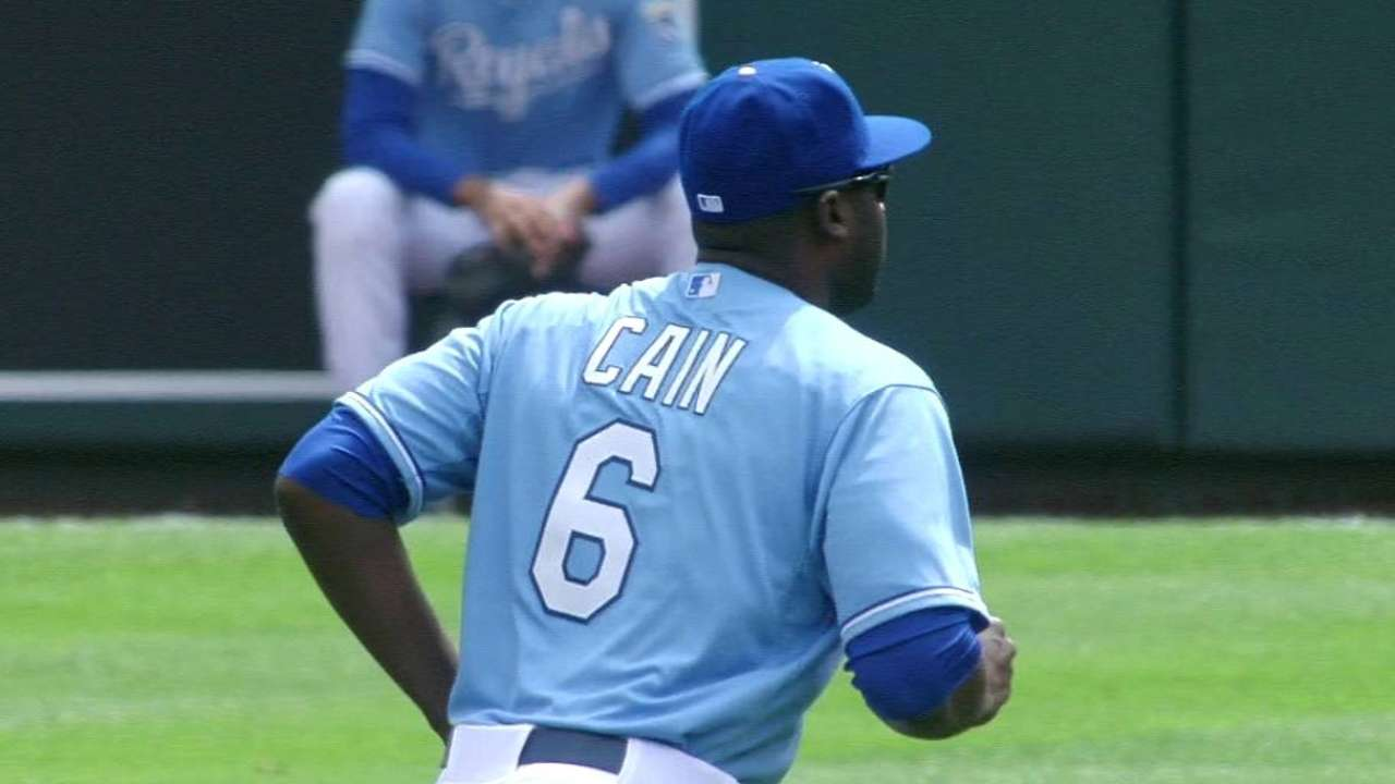 Cain's nice catch at the wall