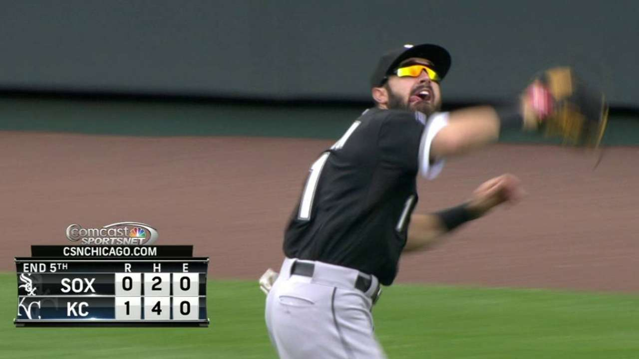 Eaton goes all out to make diving catch