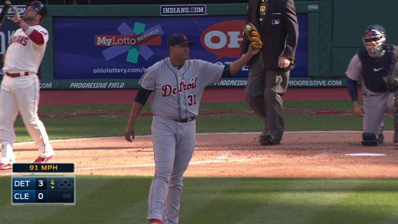 Tigers allow first earned run to end record streak