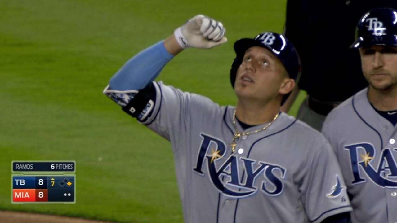 Cabrera's game-tying single