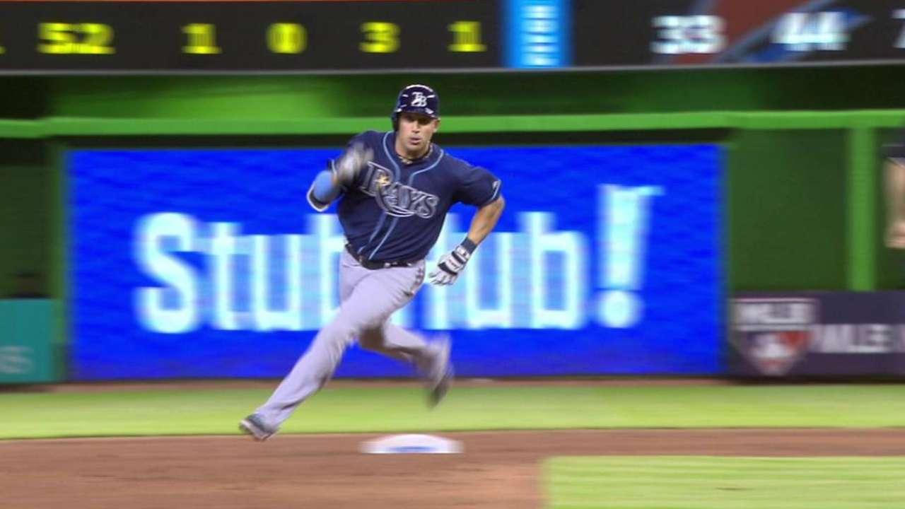 Cabrera's 6th-inning triple