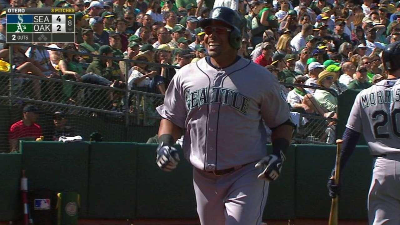 Cruz's three-run home run