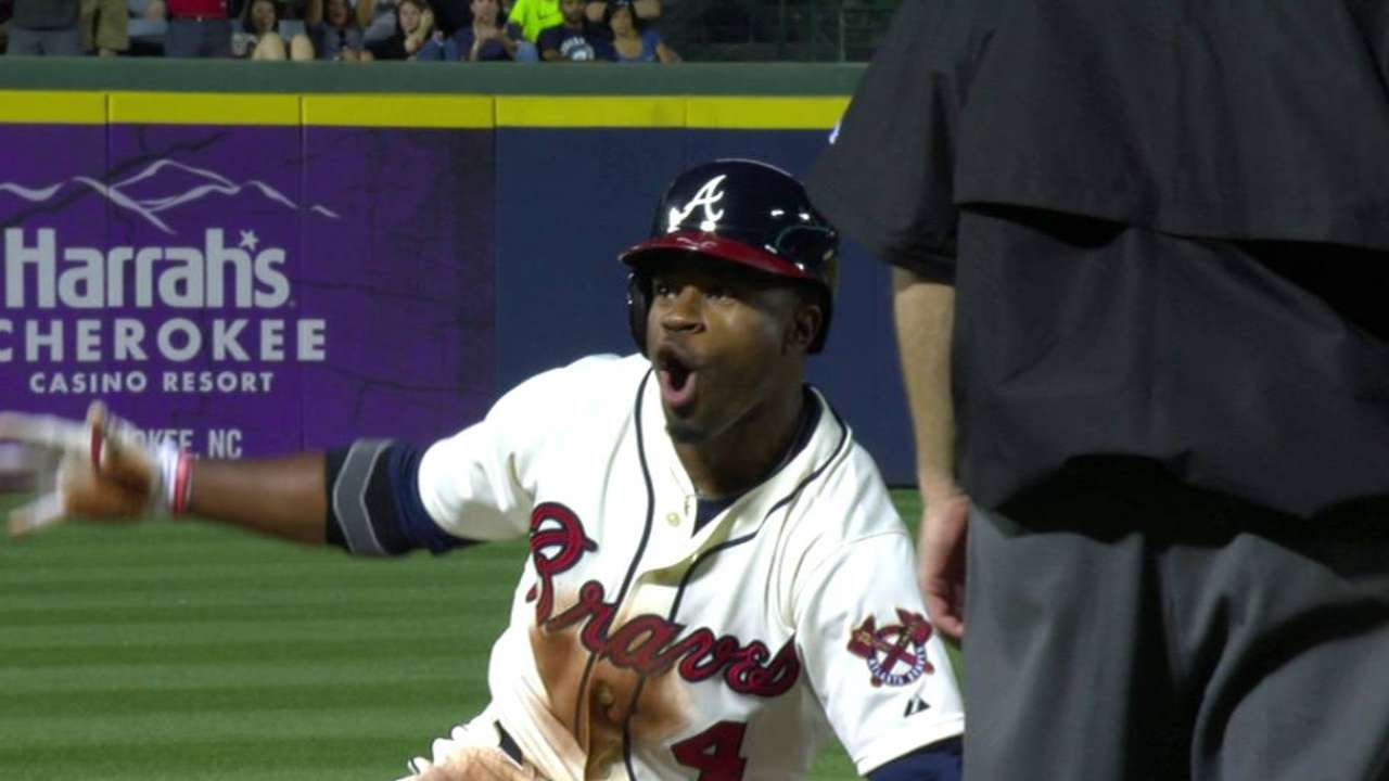 Braves improve to 5-0 after holding off Mets