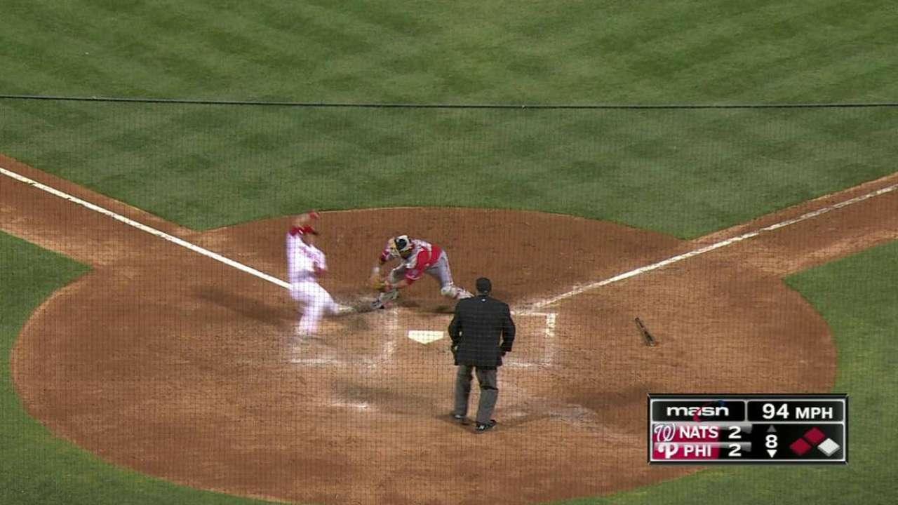 Espinosa throws out Ruiz at home