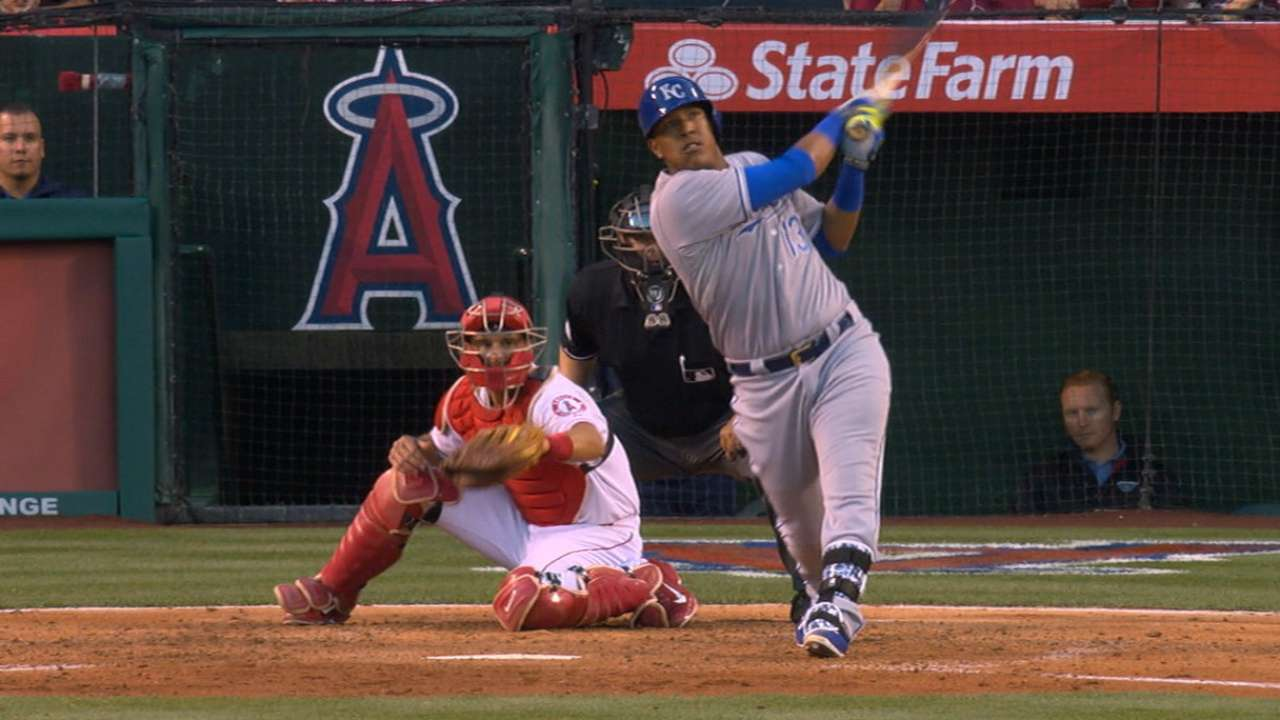 Royals roll to 5-0 with 5-run frame vs. Angels