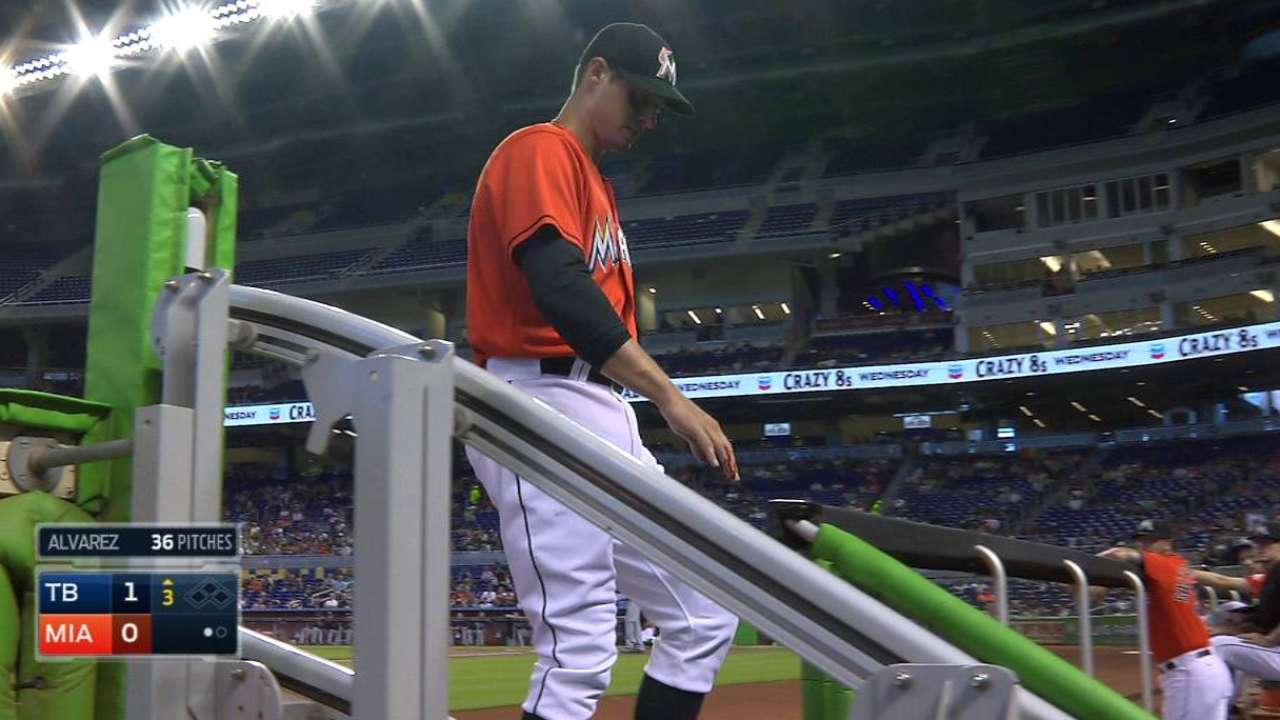 Marlins to place Kelly, Mathis on DL with broken fingers