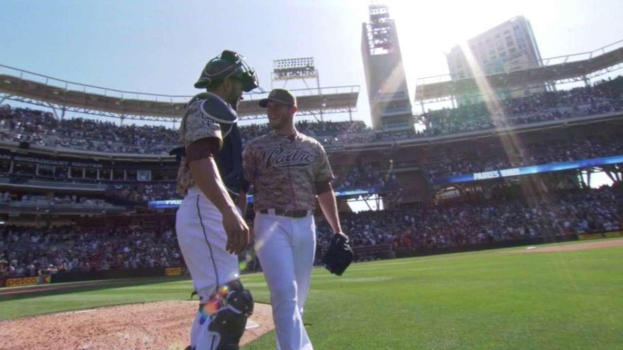 Nieves' slam spoils Peavy's return to San Diego