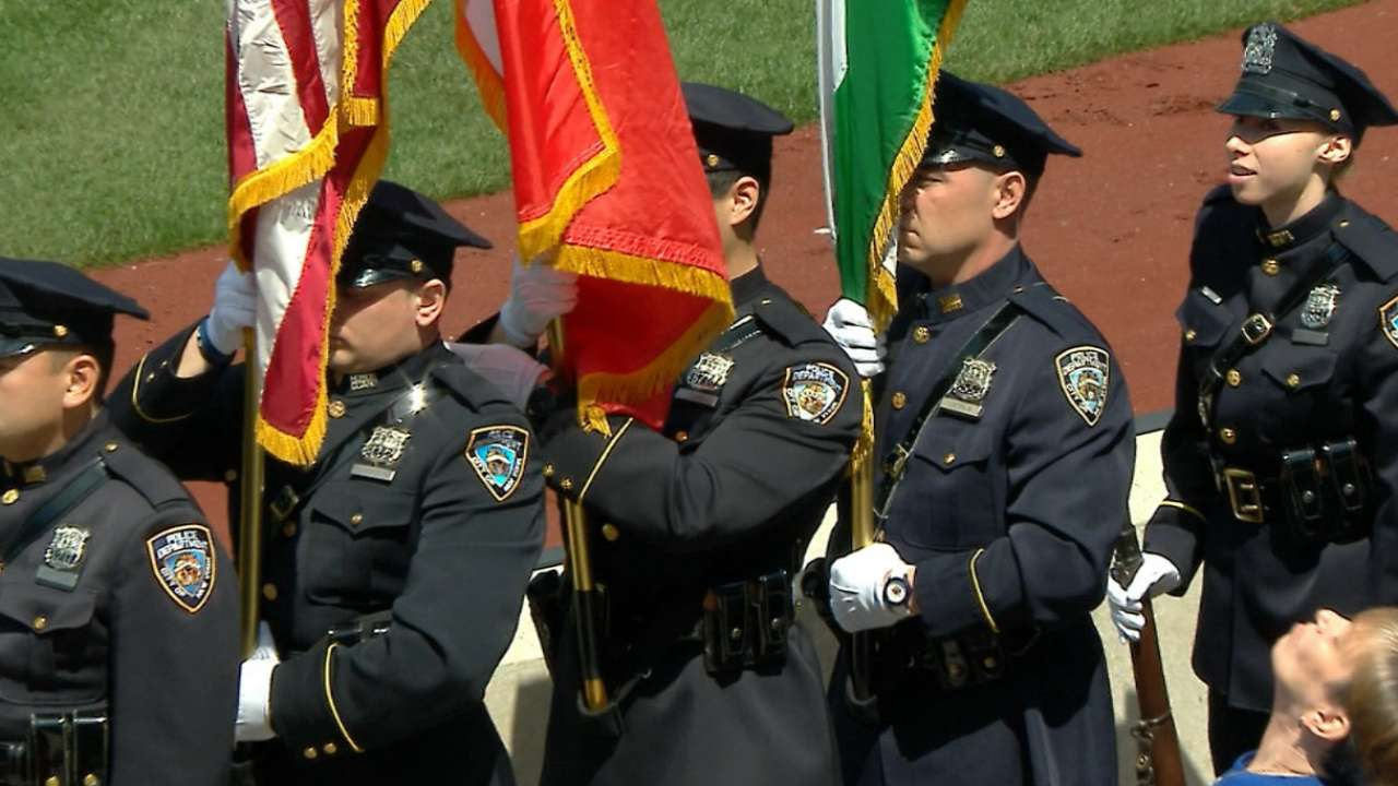Mets honor families of fallen NYPD officers