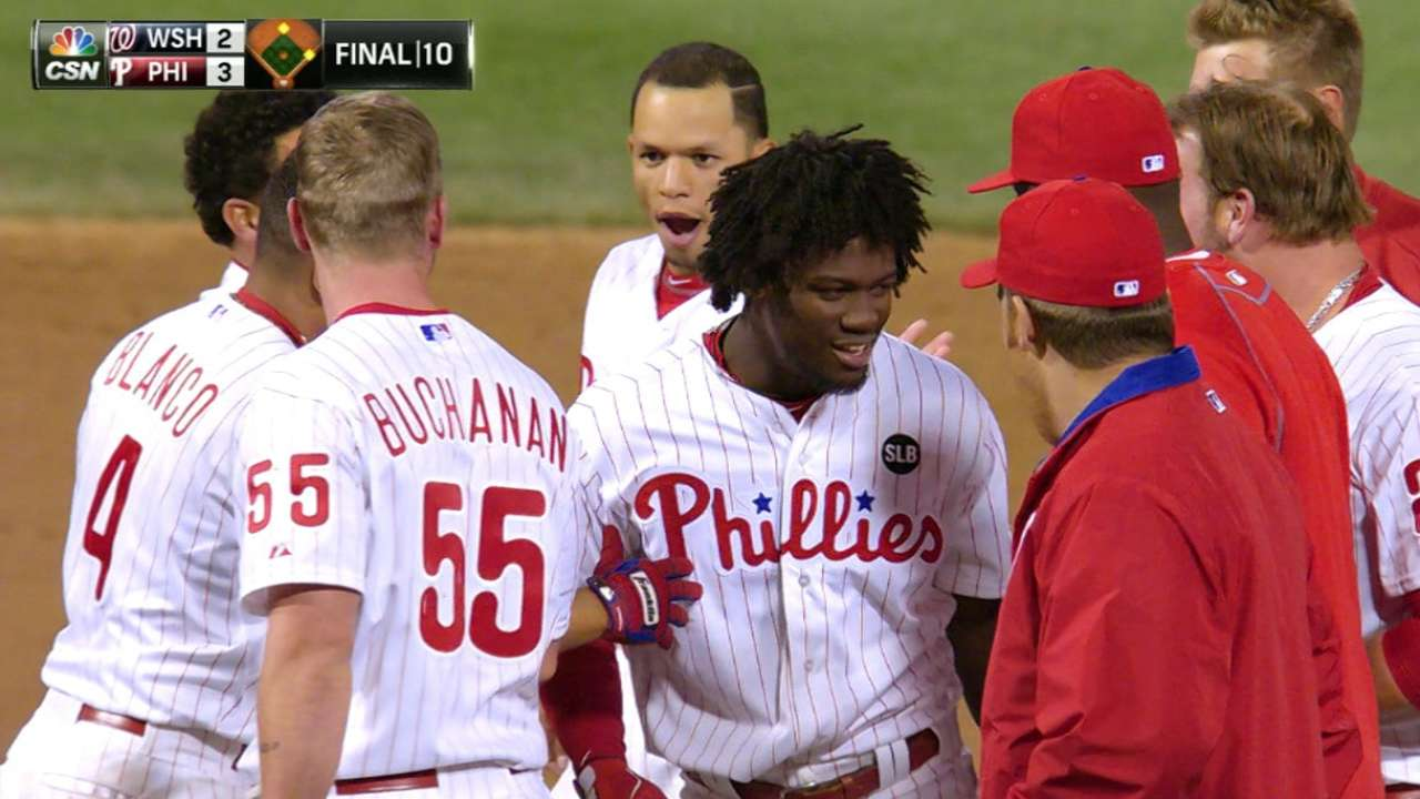 Herrera's first career hit lifts Phillies over Nats in 10
