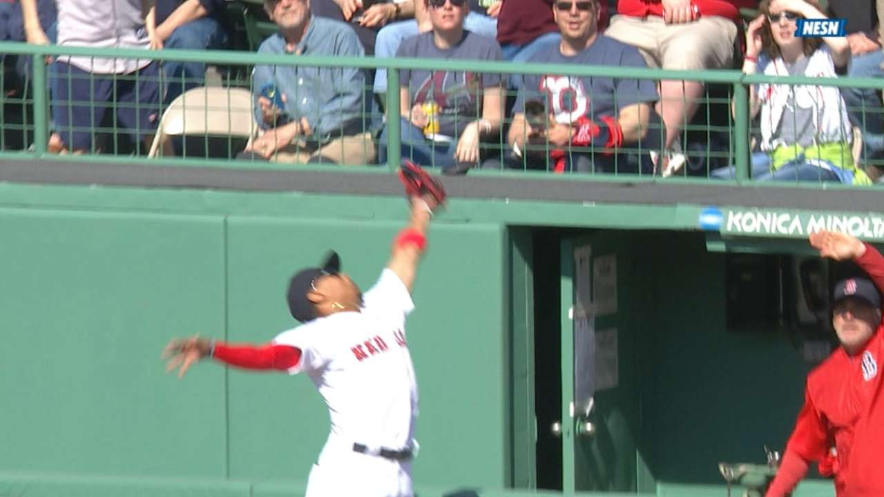 Betts foot forward: Red Sox dominate Nationals