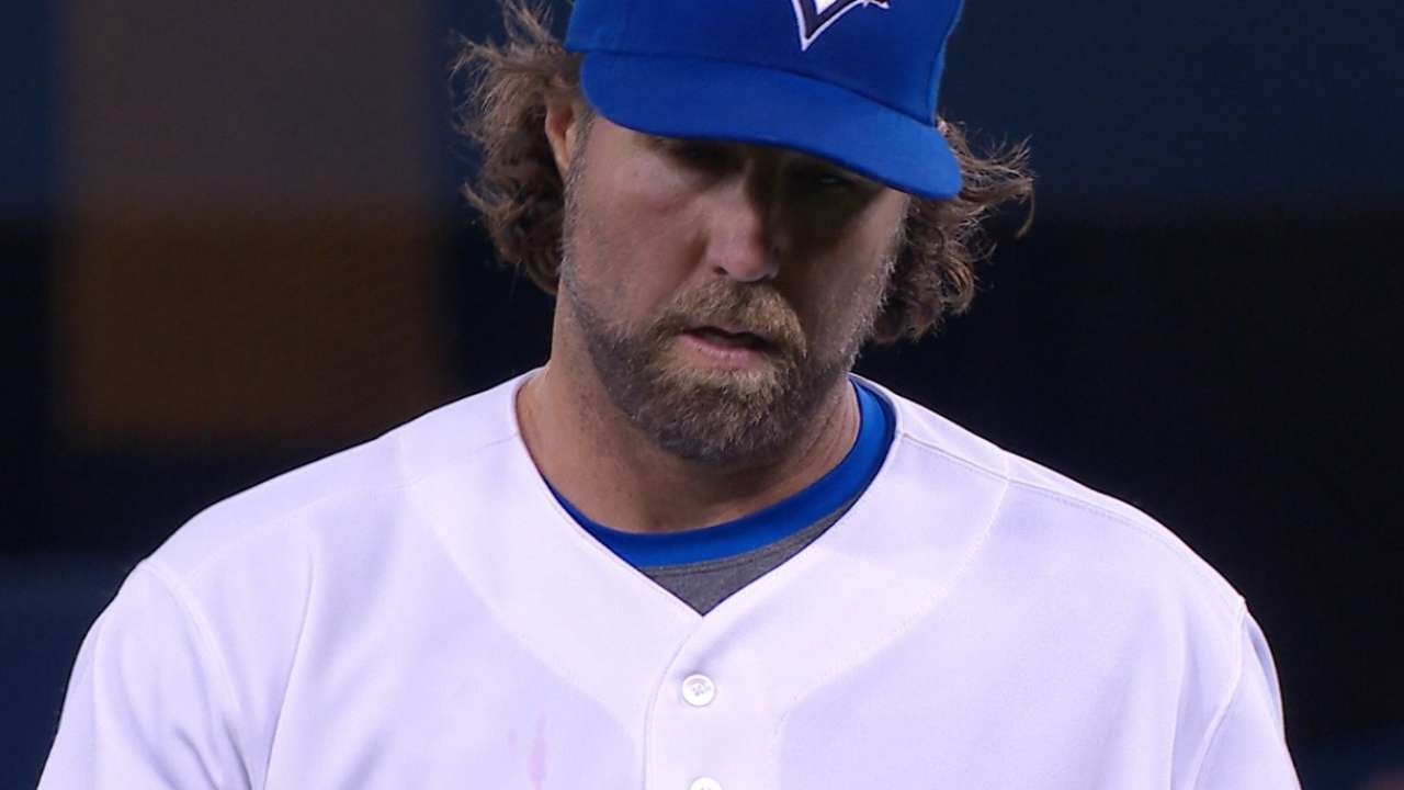 Knuckling under: Dickey foiled by command issues