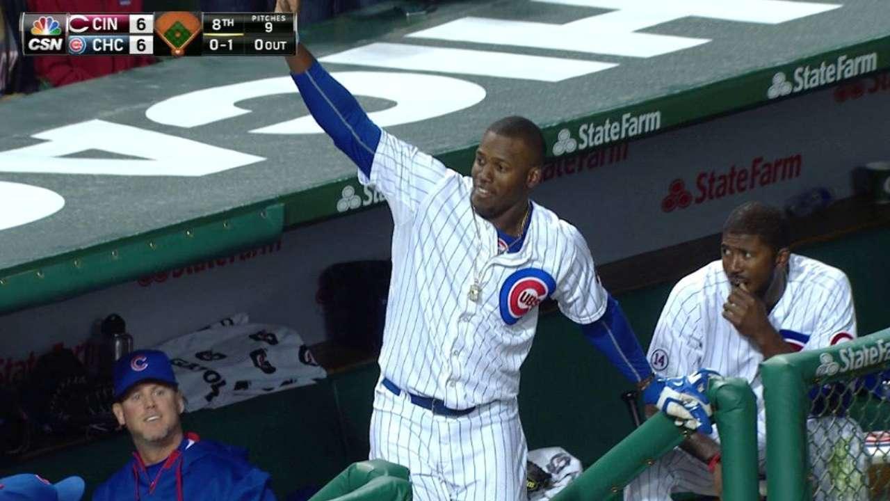 Soler's game-tying two-run homer
