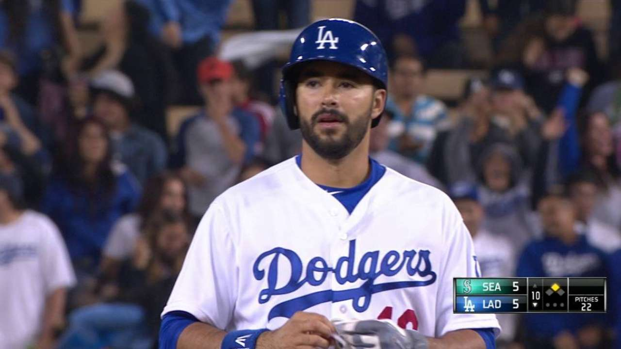 Ethier's 10th-inning double