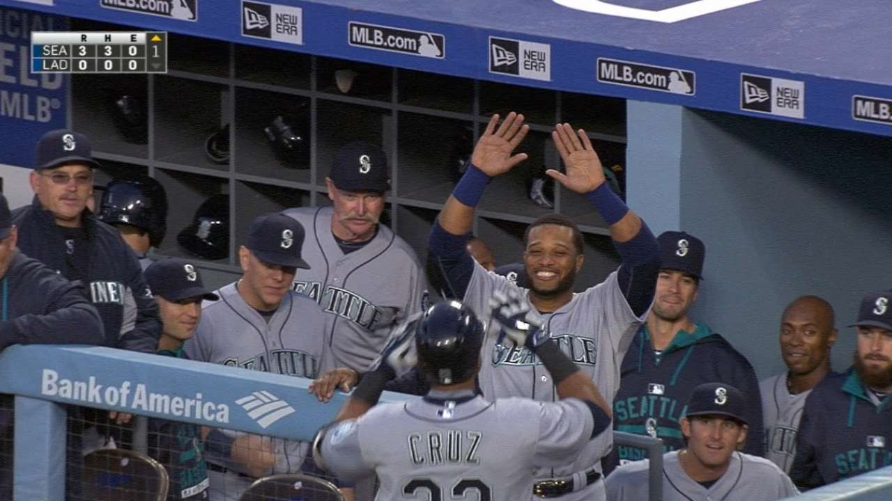 Mariners hit back-to-back homers