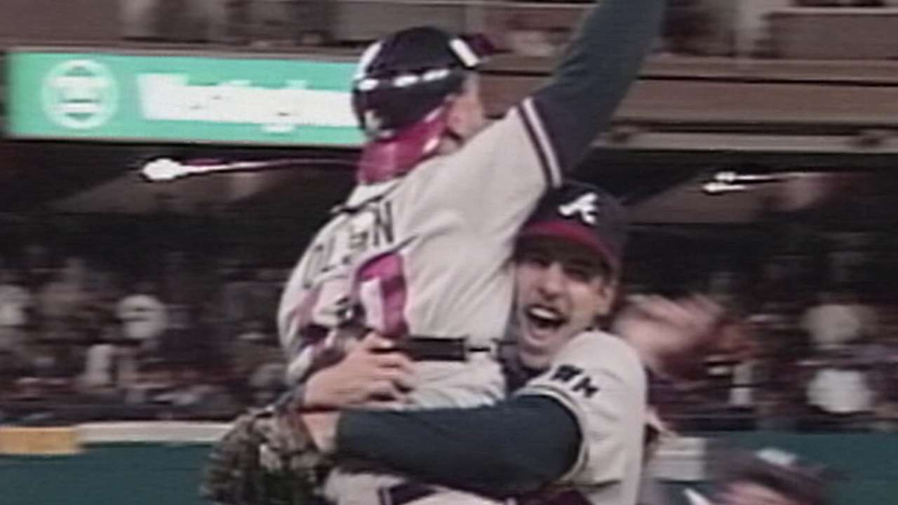 Smoltz leads Braves to '91 WS