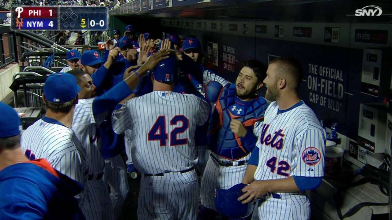 Mets complete home-opening sweep of Phillies