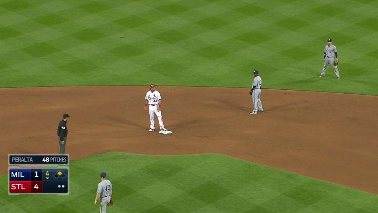 Cardinals edge Brewers for first home victory