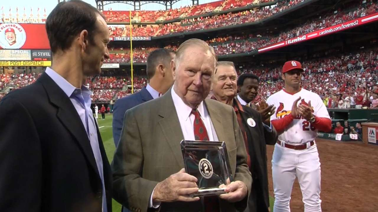 Cards honor Red's legacy