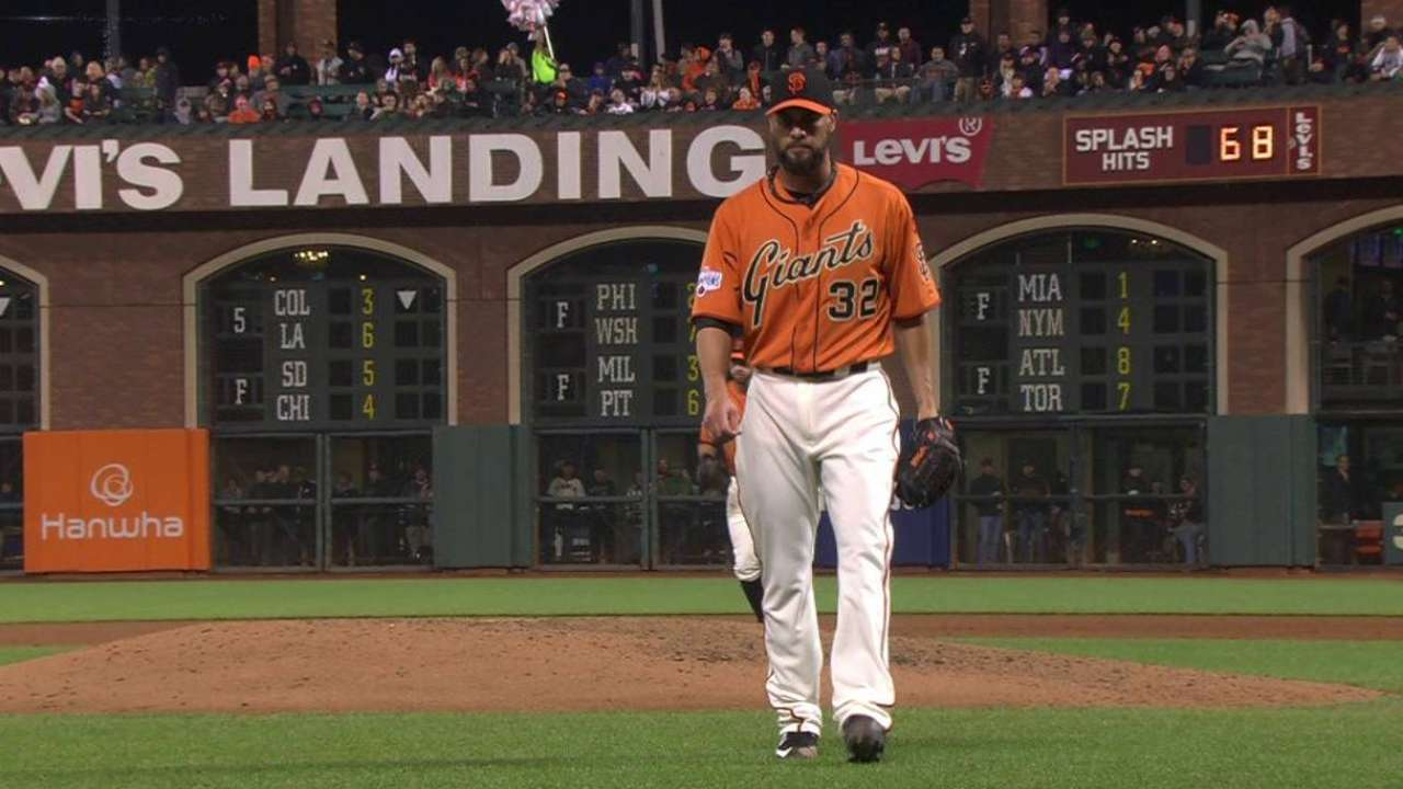 Giants leaning toward Vogelsong or Petit to start