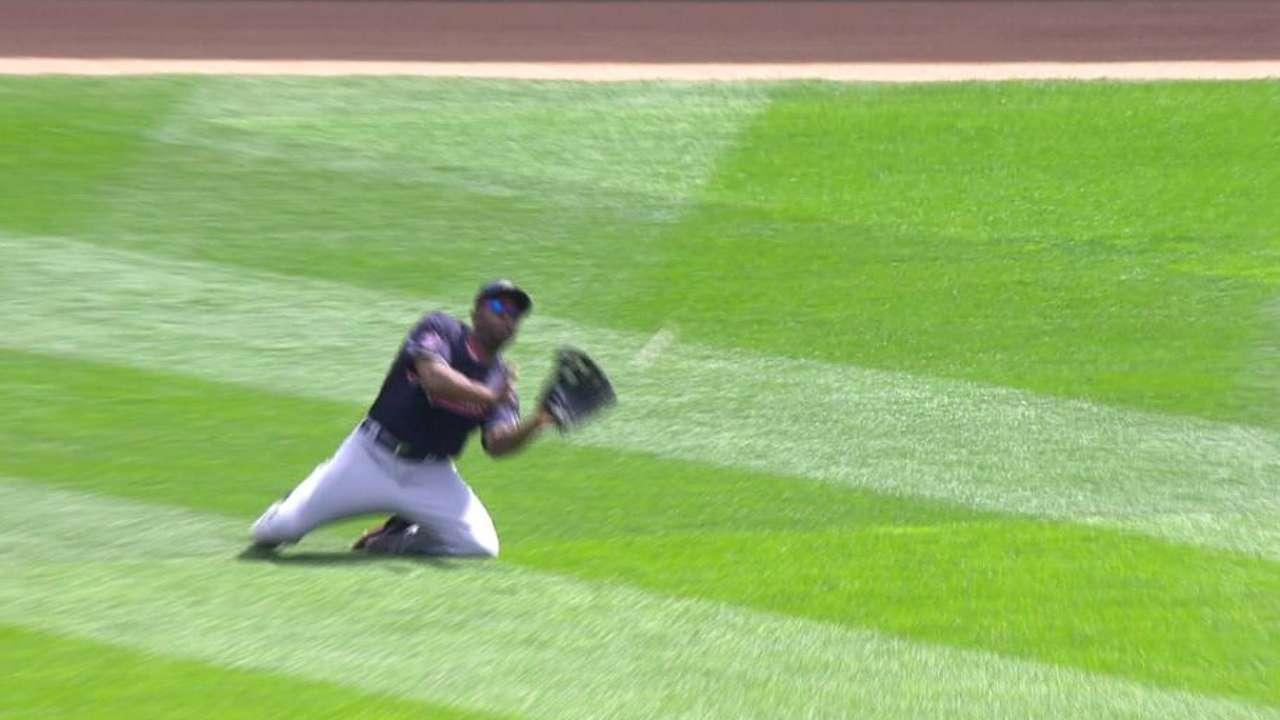 Bourn showing off healthy legs in center field