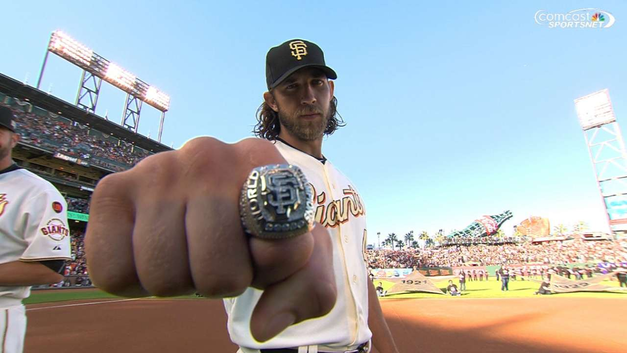 Flash, class highlight Giants' third ring ceremony
