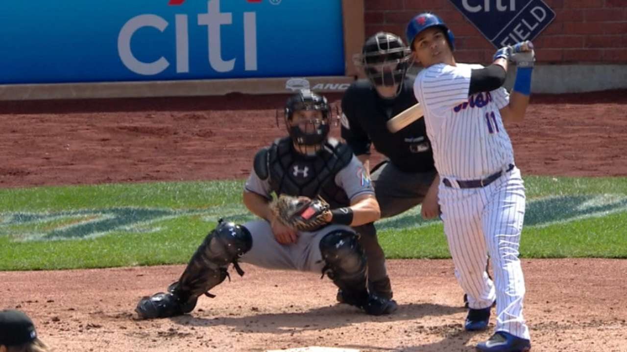 Offense propels Mets to eighth straight win