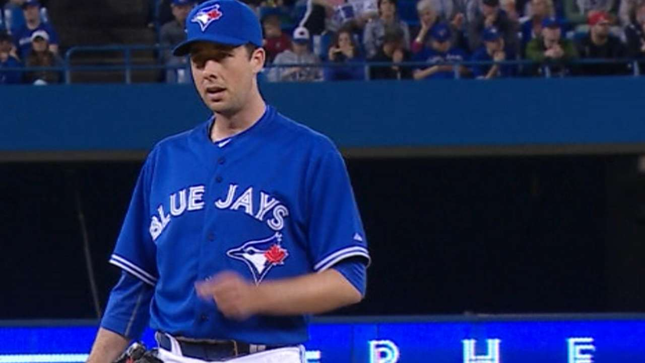 Francis joins Blue Jays, tosses scoreless relief in debut