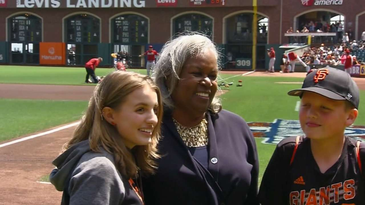 Breaking Barriers essay winners a courageous duo | MLB.com
