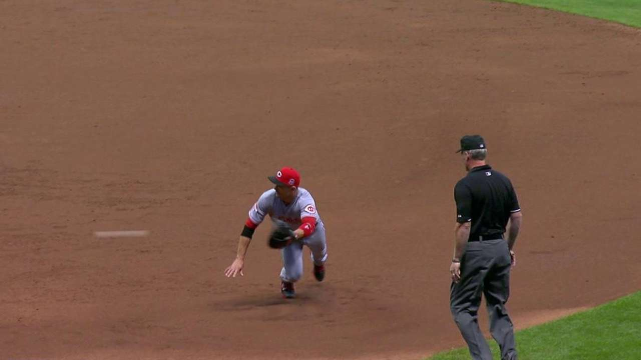 Votto's diving stop