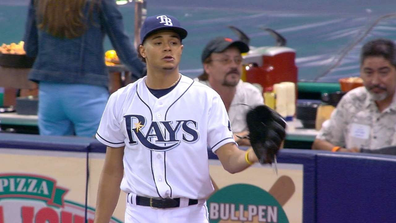 Archer lives on the edge in solid outing vs. Red Sox