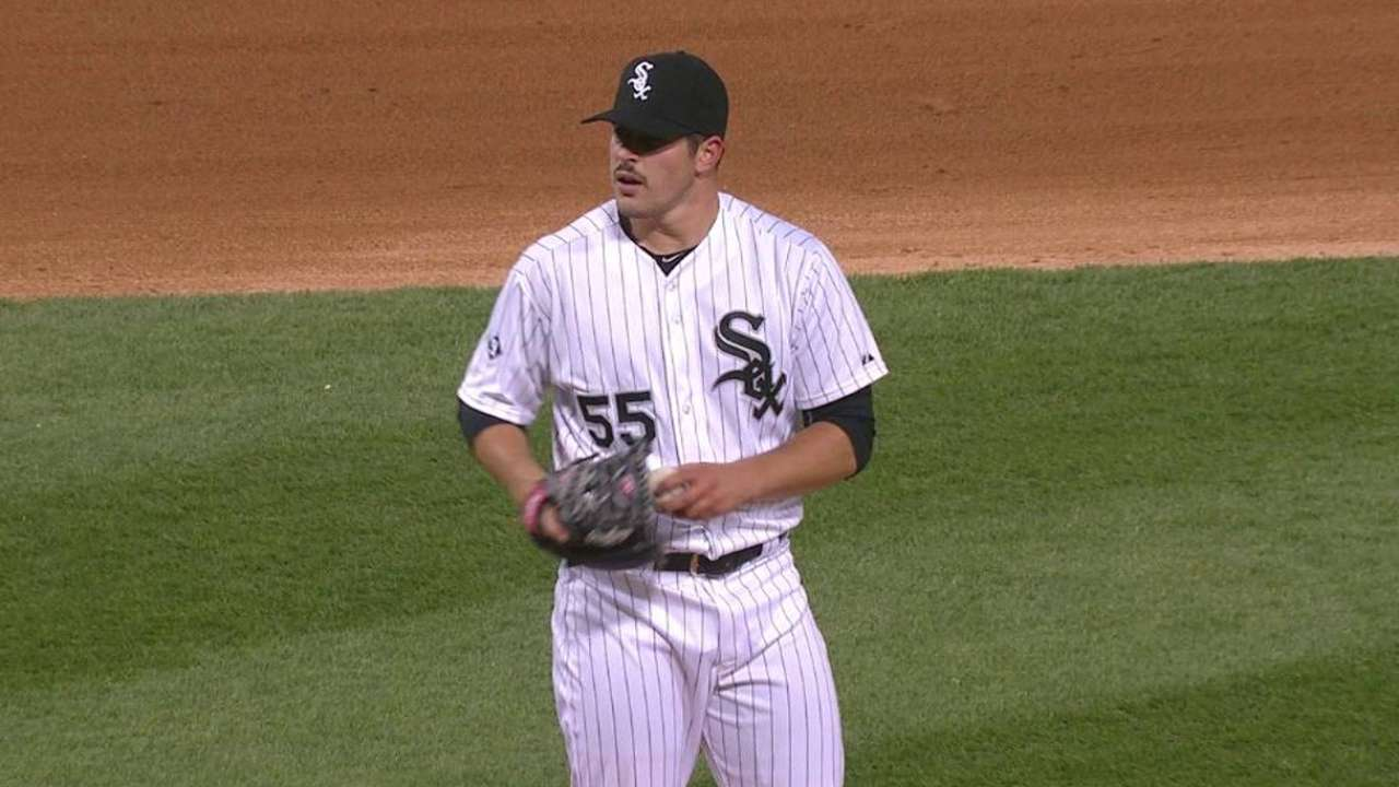 Rodon gets ovation in ML debut