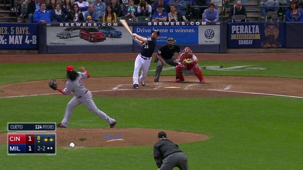 Cueto strikes out Lind