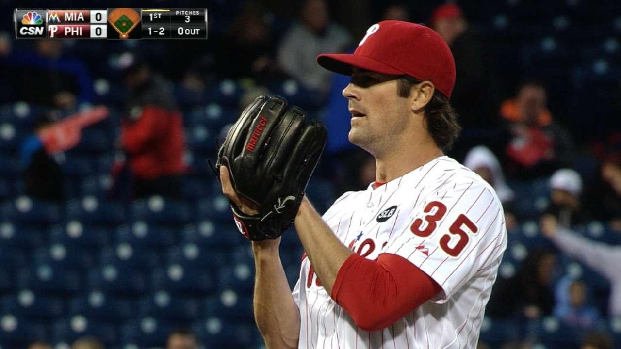 Hamels' drop his lone blemish on Phillies' tough night