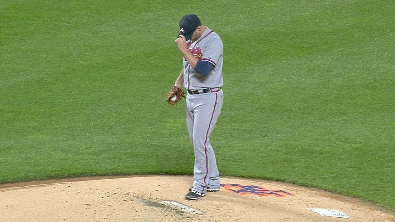 Braves' loss takes shine off Stults' stellar start