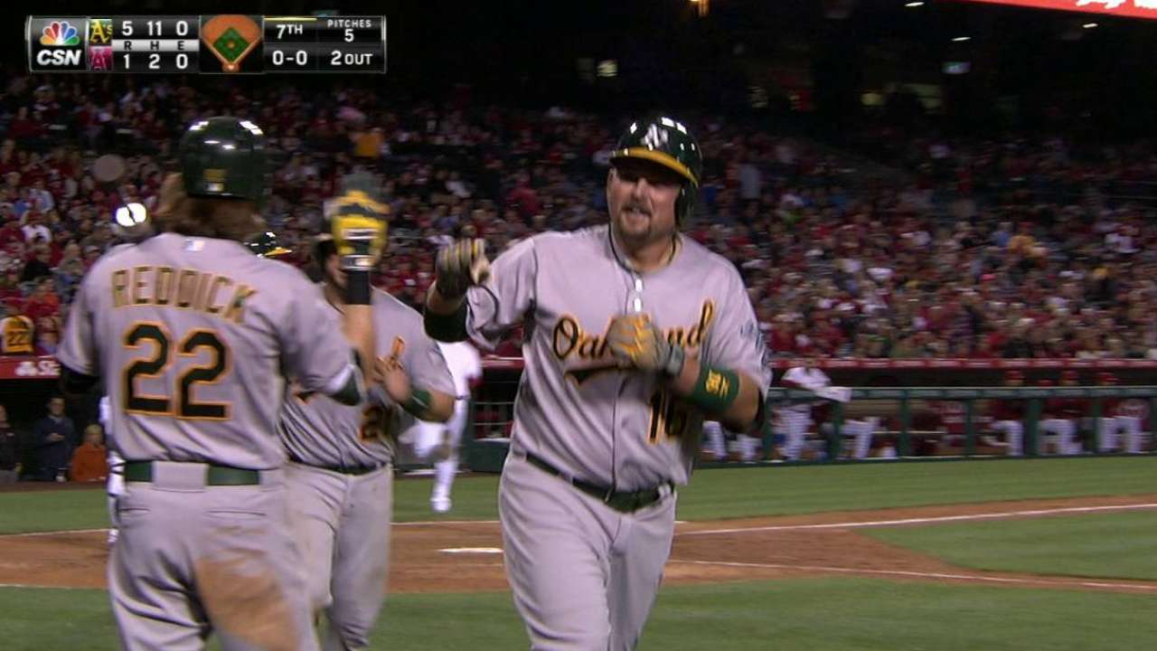 Gray puts A's back in driver's seat at Angel Stadium