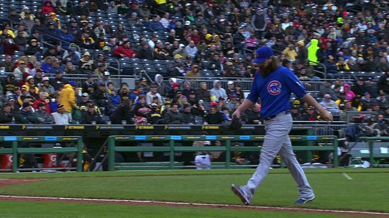 Schlitter works out of trouble
