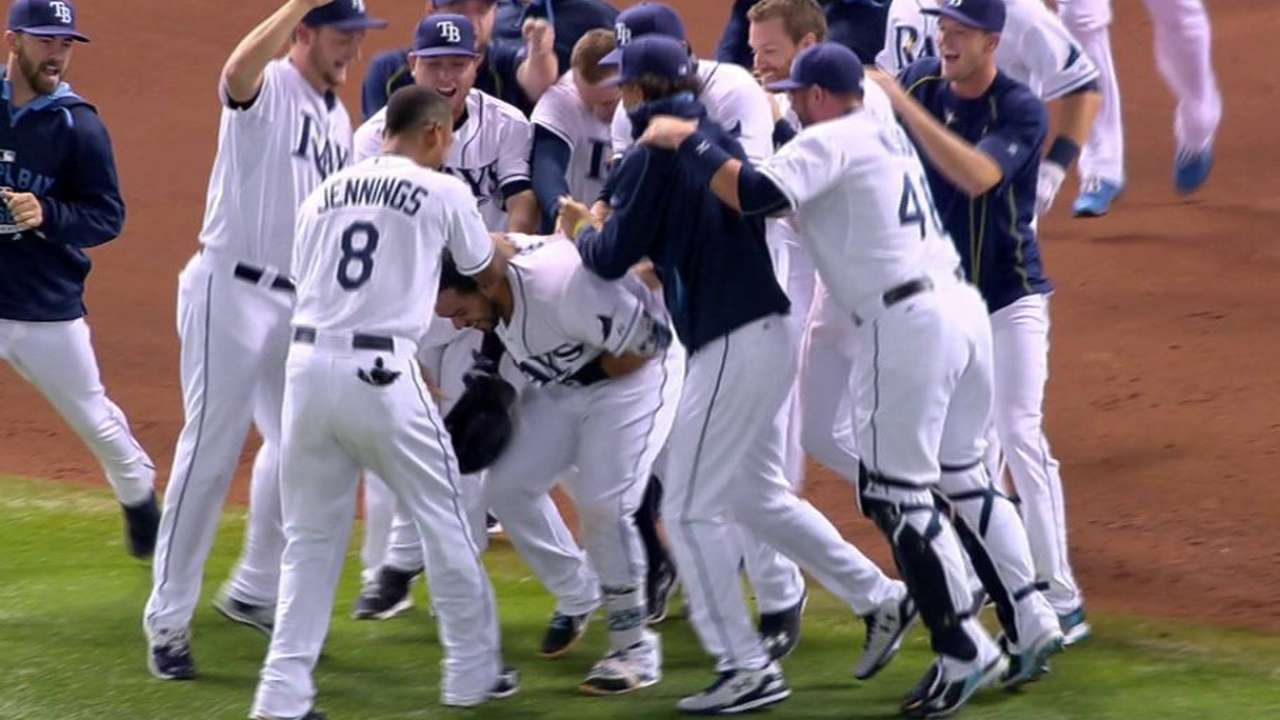 Rays take series over Red Sox on Rivera's walk-off single