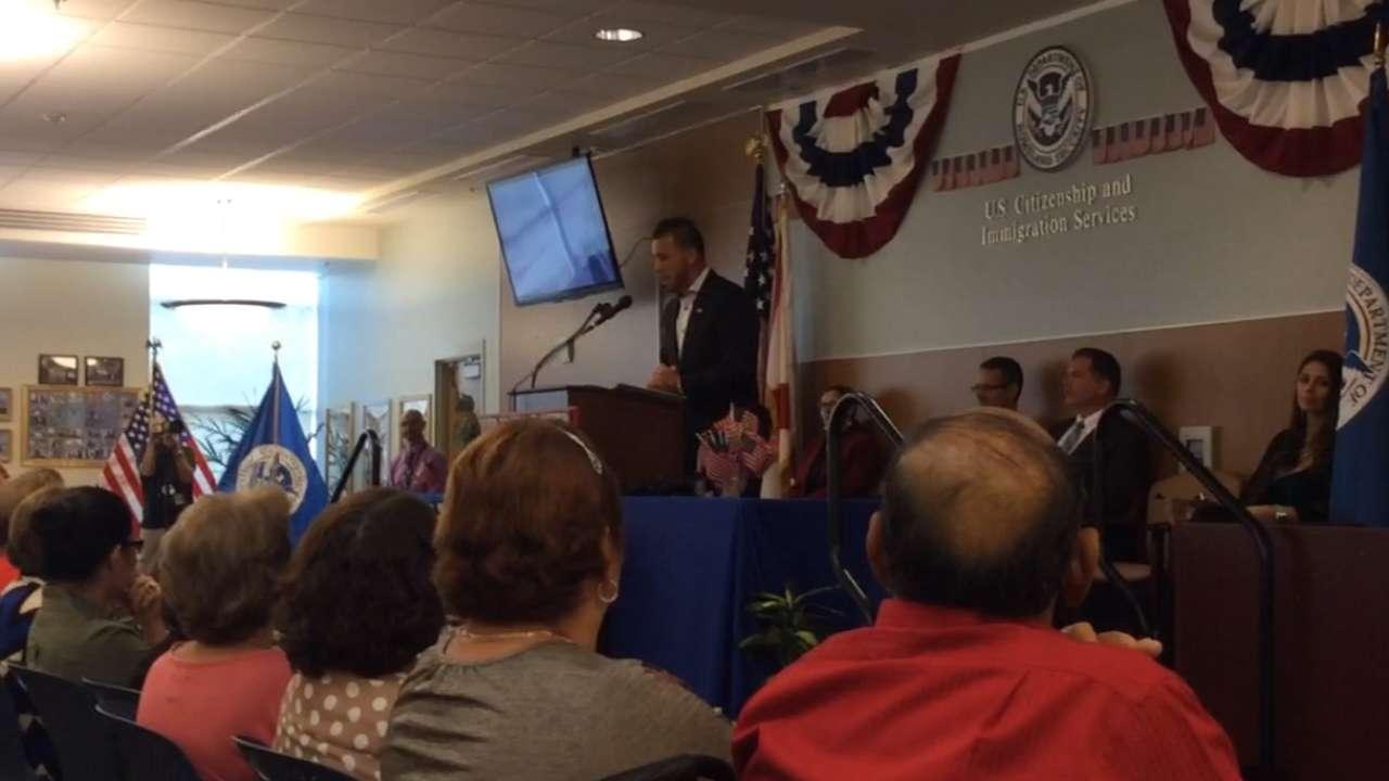'Nervous' Fernandez delivers address at citizenship ceremony