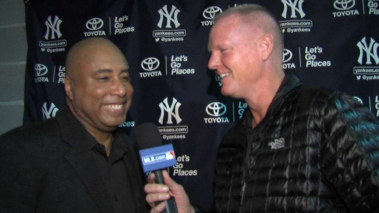 Nelson talks to Bernie Williams