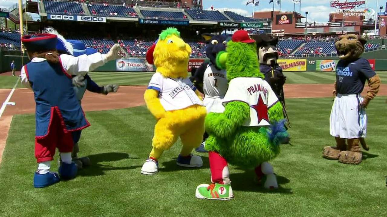 Philly Phanatic Friends Atl@phi Phanatic And Friends