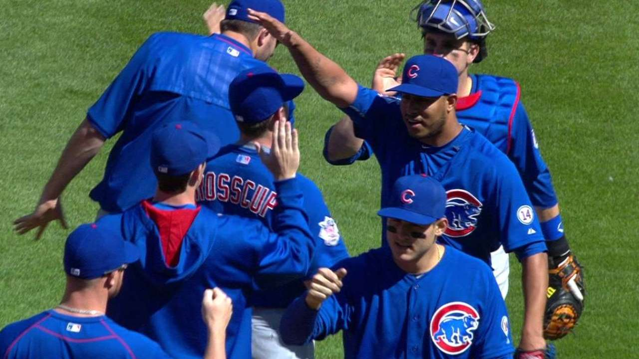 Arrieta, Russell lead way as Cubs top Reds